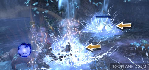 ESO Planet Dungeon Guide March of Sacrifices - Third Boss lightning strikes